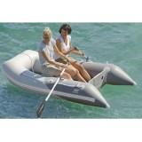 Tender Plastimo Fun con pagliolo gonfiabile, prua quadrata per maggior spazio a bordo