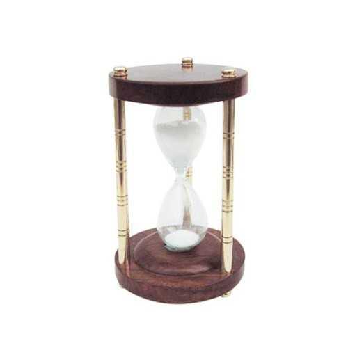 Clessidra in vetro soffiato, ottone e legno.