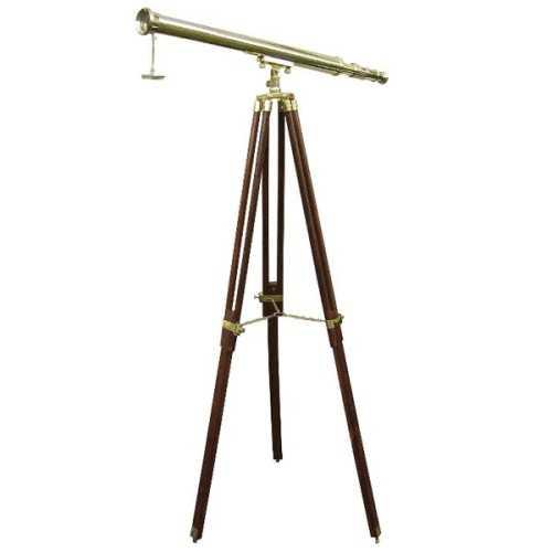 Telescopio in ottone su treppiede in legno e ottone